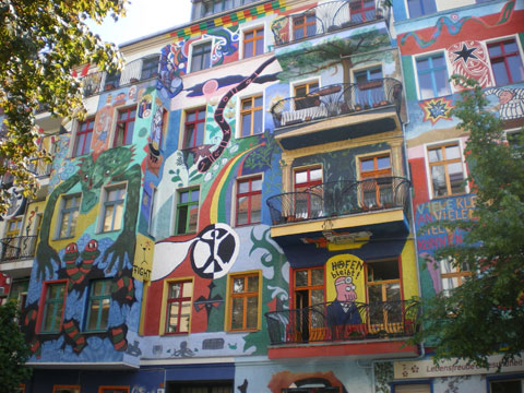 street art berlin 2 clumsybaby blog musical. Black Bedroom Furniture Sets. Home Design Ideas
